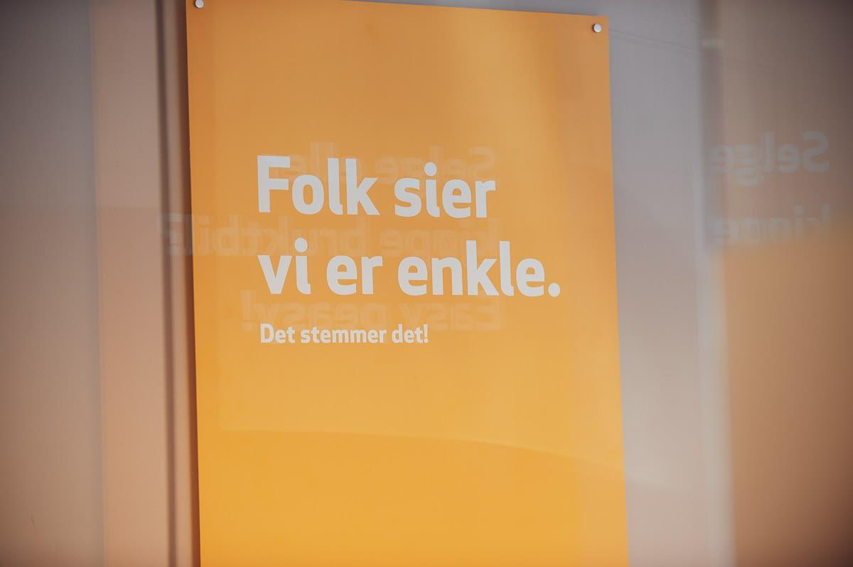 Plakat i Easybruktbil