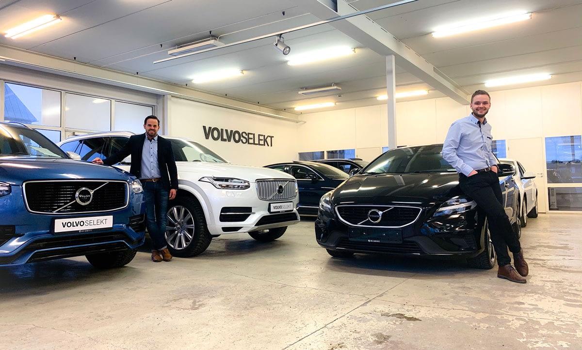 Nesten nye biler hos Bilservice er f.eks disse lekre Volvoene du ser på bildet