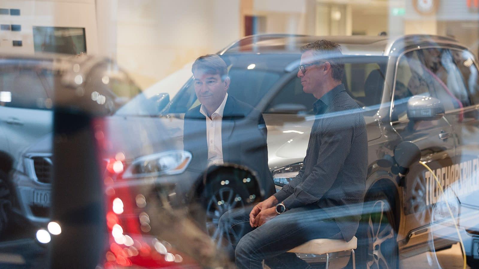 Dag og Grant ved Bilservice