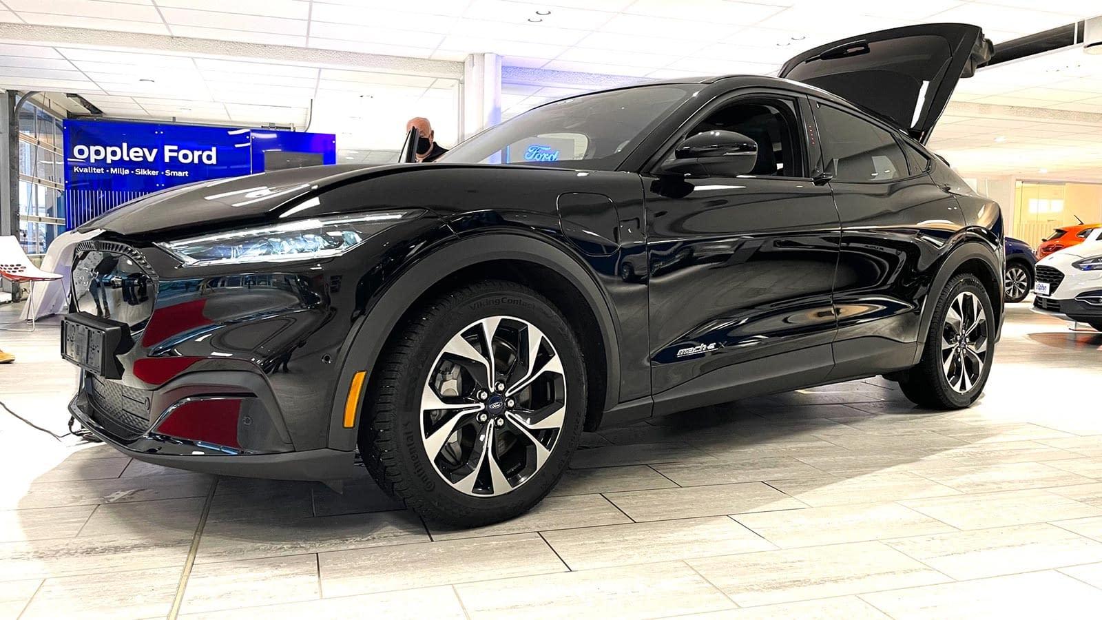 Ford Mustang Mach-E visning fra siden