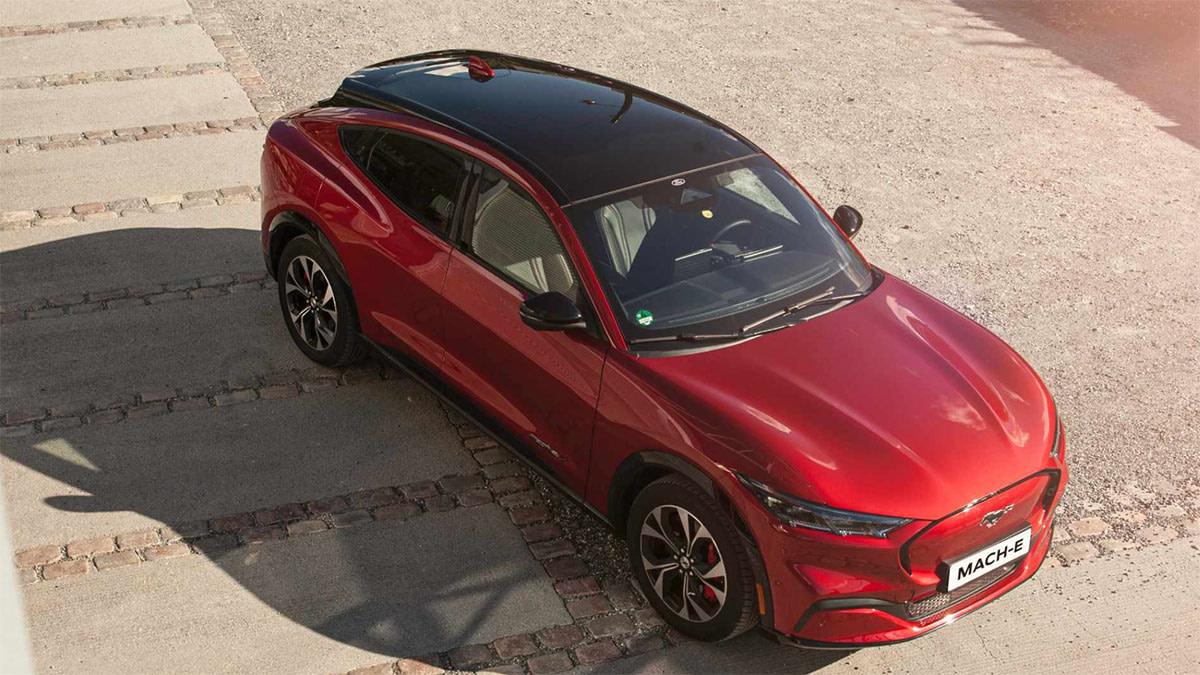 Ford Mach-E rød
